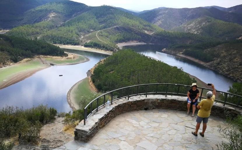 Tres Rutas Turísticas en Cáceres que te llevarán a Santiago