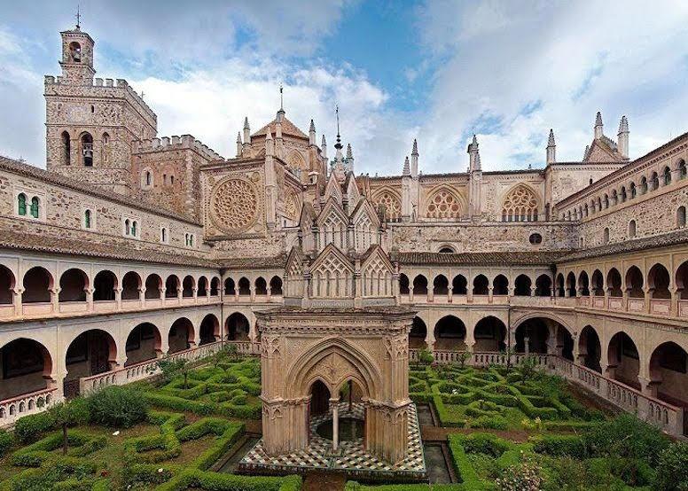 Real Monasterio de Nuestra Señora de Guadalupe Turismo Cáceres