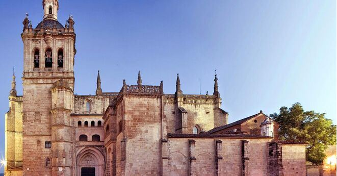 Catedral de Coria Bien de Interés Cultural Turismo Cáceres